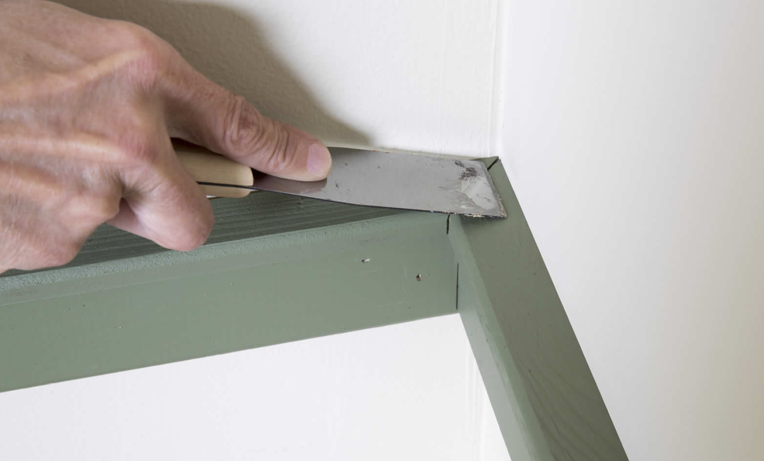 wall-makeover-arrow-project-step8a.jpg