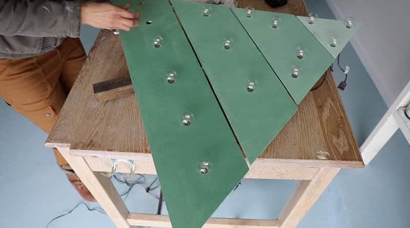 wall-mounted-chrstms-tree-arrow-project-step5b.jpg